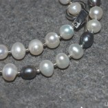 freshwater pearl black and white (3)